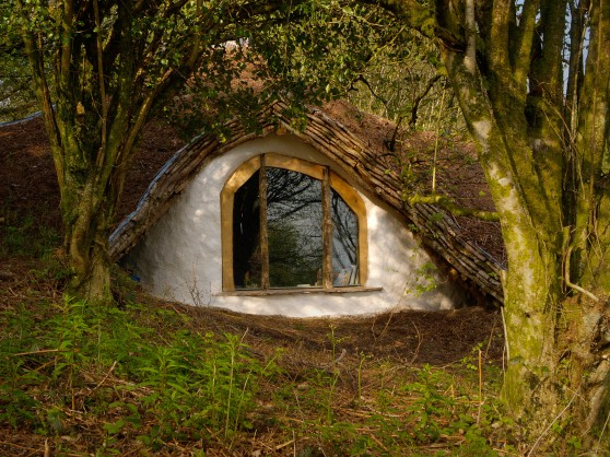 how to live like a hobbit book